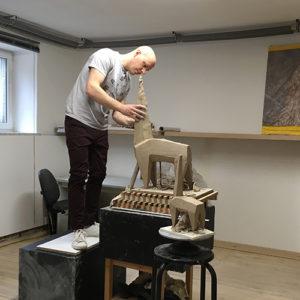"""rzeźba """"Jutro"""" Krzysztof Bocian"""